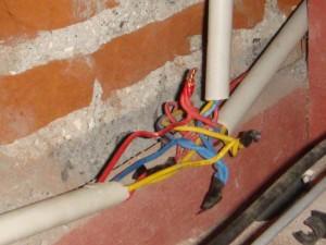 kabels (bij elektra onderhoud)